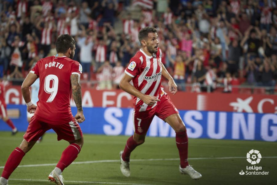 Stuani celebra un dels dos gols. LFP